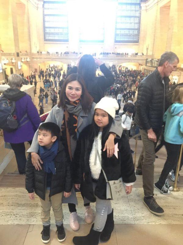 Kai with her adorable children Yumi & Aki